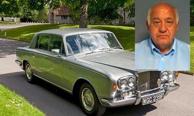 Cụ ông 66 tuổi hầu tòa sau 20 năm lạm dụng nhiều bé trai bằng mác đại gia đi Rolls Royce