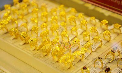 Giá vàng hôm nay 17/4: Đồng loạt tăng mạnh, giá vàng SJC vượt mốc 55 triệu