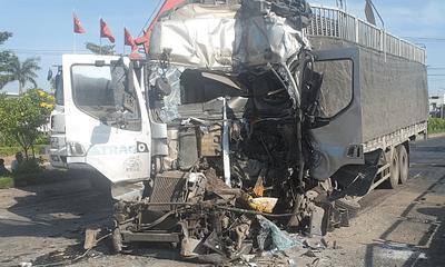 Phú Yên: Xe tải đâm liên hoàn 5 phương tiện khi đang dừng đèn đỏ