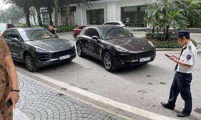 2 xe sang Porsche trùng biển số