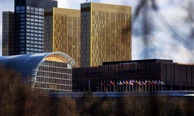 Hai vụ tự tử ở ngân hàng Đầu tư châu Âu: Dấu hỏi về quấy rối tình dục và phân biệt đối xử