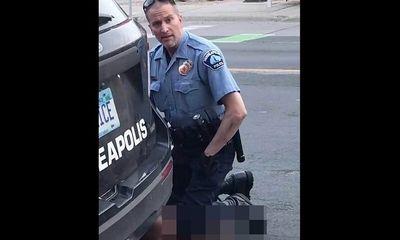 Cựu cảnh sát ghì chết George Floyd bị kết tội giết người, ông Biden thấy vẫn chưa đủ