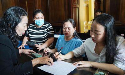 Xử vụ tài xế Mercedes tông nữ tiếp viên Vietnam Airlines: Mẹ bị cáo bồi thường 60 triệu tại tòa