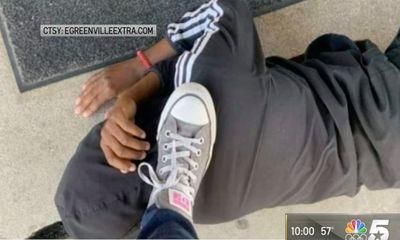Phẫn nộ vụ giáo viên chụp ảnh đặt chân lên cổ học sinh rồi gửi ảnh trực tiếp cho phụ huynh