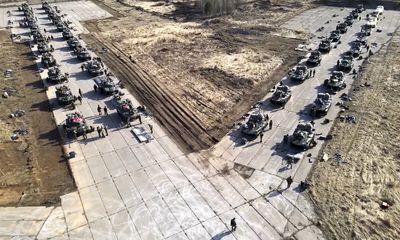 Nga bất ngờ rút quân khỏi biên giới với Ukraine giữa lúc căng thẳng leo thang