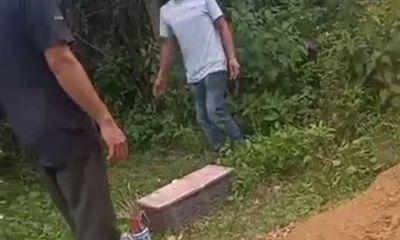 Hà Tĩnh: Phát hiện thi thể bé trai sơ sinh trôi trên sông