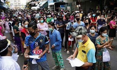 Lập kỷ lục số người chết vì COVID-19, người dân Thái Lan kêu gọi áp lệnh phong tỏa