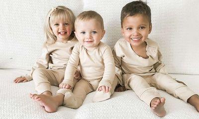 Nhận nuôi 2 bé sơ sinh bị bỏ rơi tại cùng một bệnh viện, người phụ nữ