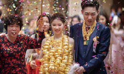 """Tin tức đời sống ngày 27/4: Cảnh cô dâu đeo vàng nặng trĩu cổ và sự thực khiến ai nấy """"té ngửa"""""""