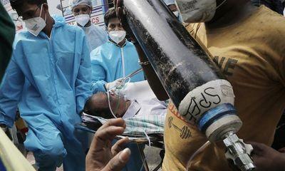 Lãnh đạo bệnh viện Ấn Độ bác cáo buộc rút ống thở, ngưng cấp oxy cho bệnh nhân