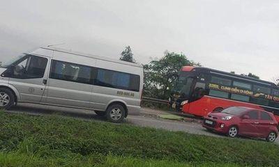 Tin tai nạn giao thông mới nhất ngày 28/4: Phụ xe khách bị container tông tử vong