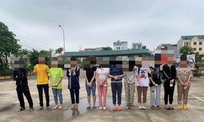 """Phát hiện nhóm """"tay vịn"""" karaoke dương tính với ma túy ở Ninh Bình"""