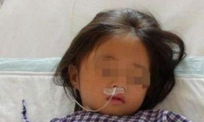 Con gái 7 tuổi nhập viện, mê sảng liên tục nhắc đến chiếc máy giặt, bà mẹ sốc đến