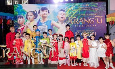 Xuân Lan chúc mừng ông xã Nguyễn Ngọc Lâm trong vai trò sản xuất phim Trạng Tí
