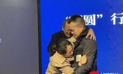 Tin tức đời sống ngày 1/5: Xúc động người đàn ông đoàn tụ với gia đình sau 33 năm bị bắt cóc