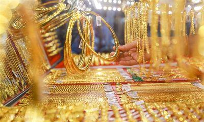 Giá vàng hôm nay 3/5/2021: Giá vàng SJC đang có xu hướng giảm