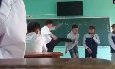 Thông tin mới vụ thầy giáo đánh học trò dã man ngay trên bục giảng