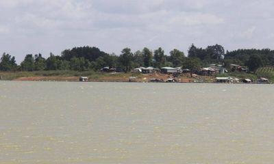 2 học sinh trượt chân xuống hồ Trị An chết đuối