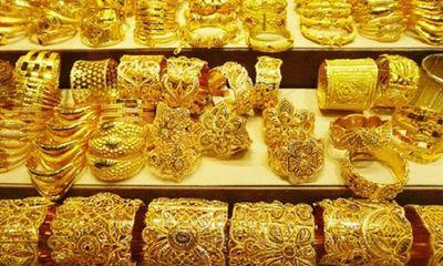 Giá vàng hôm nay 5/5/2021: Đồng loạt giảm trước giờ mở bán