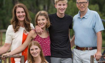 Vợ chồng tỷ phú Bill Gates dạy con cách chọn bạn đời: Sai có thể làm lại