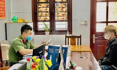 Bắc Giang: Lấy quốc kỳ làm váy, nam