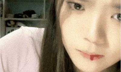 Đang livestream, nữ idol xứ Trung bất ngờ chảy máu miệng phải nhập viện ngay trong đêm