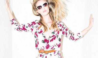 Rosie Huntington tự thiết kế tủ quần áo cho mình