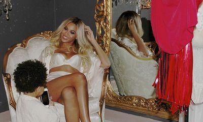 Beyonce dẫn con gái Blue Ivy đi lưu diễn