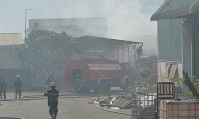 TP.HCM: Cháy lớn tại xưởng chế biến gỗ