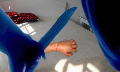 Chém tình địch đứt tay vì ghen tuông