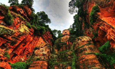 Chiêm ngưỡng tượng Phật bằng đá lớn nhất thế giới