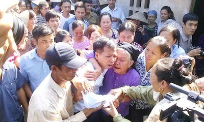 Người chỉ đạo truy tìm thủ phạm vụ án oan bật khóc trước hoàn cảnh ông Chấn