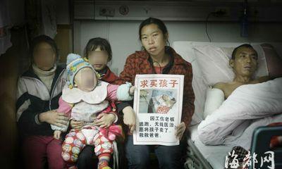 Rơi nước mắt mẹ bán con thơ để cứu chồng nguy kịch