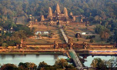 3 du khách chụp ảnh nude ở Angkor Wat bị Campuchia bắt giữ