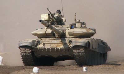 Việt Nam xem xét mua xe tăng T- 90 của Nga