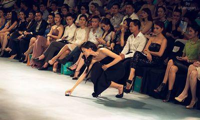 Sao Việt 24h: Trúc Diễm nhặt đế giày, Siêu mẫu Phương Mai lộ