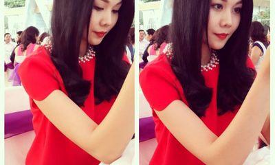 Facebook sao 24h: Thanh Hằng diện đầm đỏ xinh tươi đi đám cưới