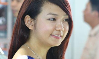 Lộ ảnh thủa đen nhẻm làm PG, mẫu ảnh của vợ Tuấn Hưng
