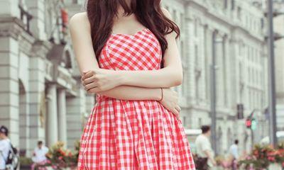 Trà Ngọc Hằng lãng mạn trên phố Thượng Hải