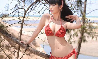 Bỏng mắt ngắm Lê Kiều Như diện bikini kết bằng ớt đỏ