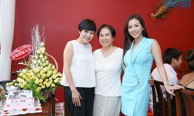 Hoa hậu Thu Hoài cùng Phương Thanh mừng sinh nhật Lệ Thu
