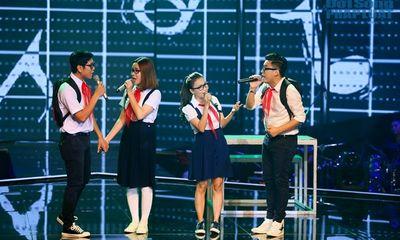 Giọng hát Việt Nhí vòng liveshow 1: GK đeo khăn quàng hát Đi học