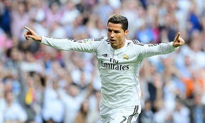 Real 3-1 Barca: Ronaldo, Benzema rực sáng, Real vùi dập Barca