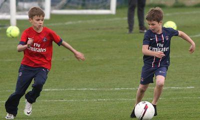 Phớt M.U, quý tử nhà Beckham gia nhập Arsenal