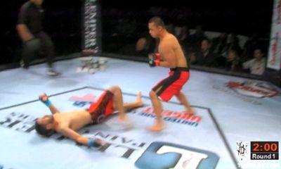 Mới vào nghề, võ sỹ 18 tuổi đã hạ gục đối thủ chỉ sau 5 giây