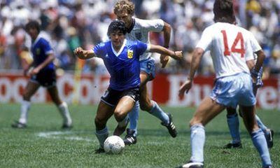 10 pha làm bàn hài hước nhất lịch sử World Cup