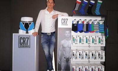 Ronaldo suýt mất tiền tấn vì chơi trò