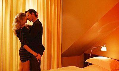 """""""Sex"""" trong phòng sáng – nỗi ám ảnh của nhiều eva"""