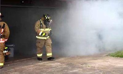 Lính cứu hỏa dàn dựng đám cháy giả để cầu hôn bạn gái