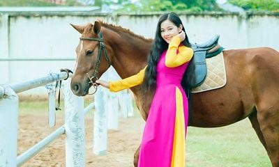 Hot girl Tam Triều Dâng làm gì trong dịp năm mới?
